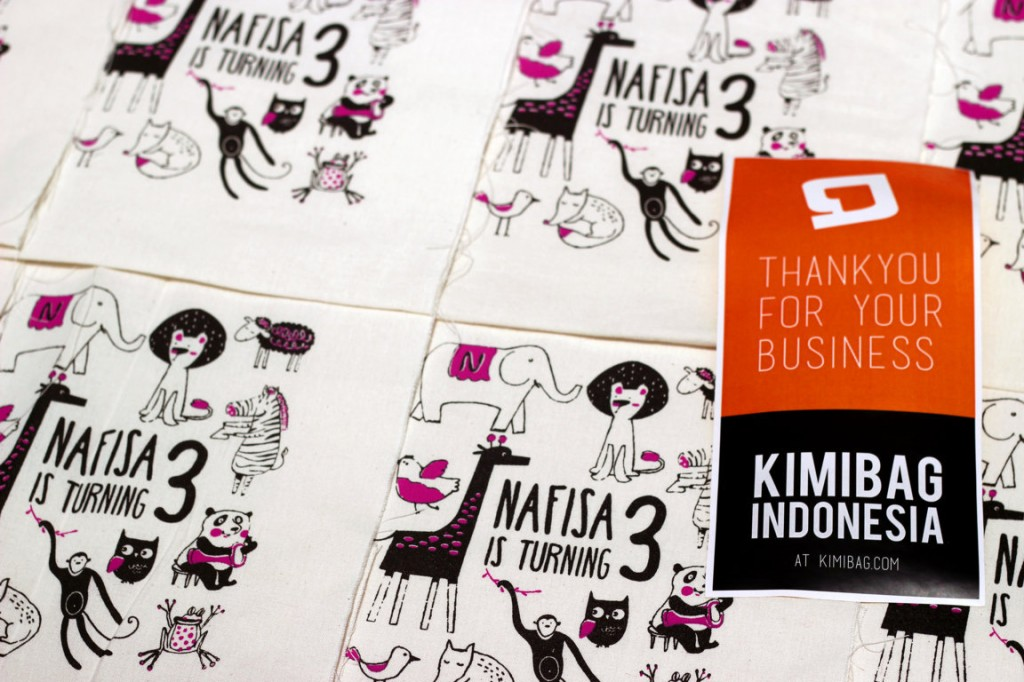 KIMIBAG manual screen printing on canvas. Birthday Pouch.