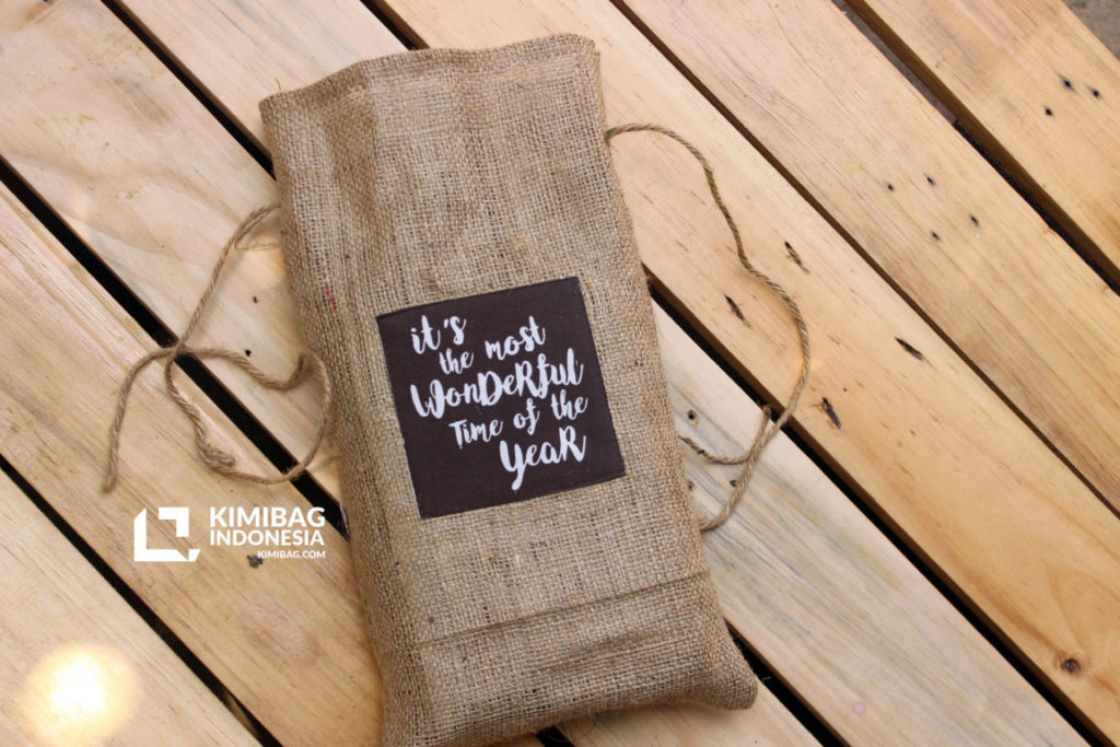 Burlap Hampers Pouch; Green, Rustic and Natural Look